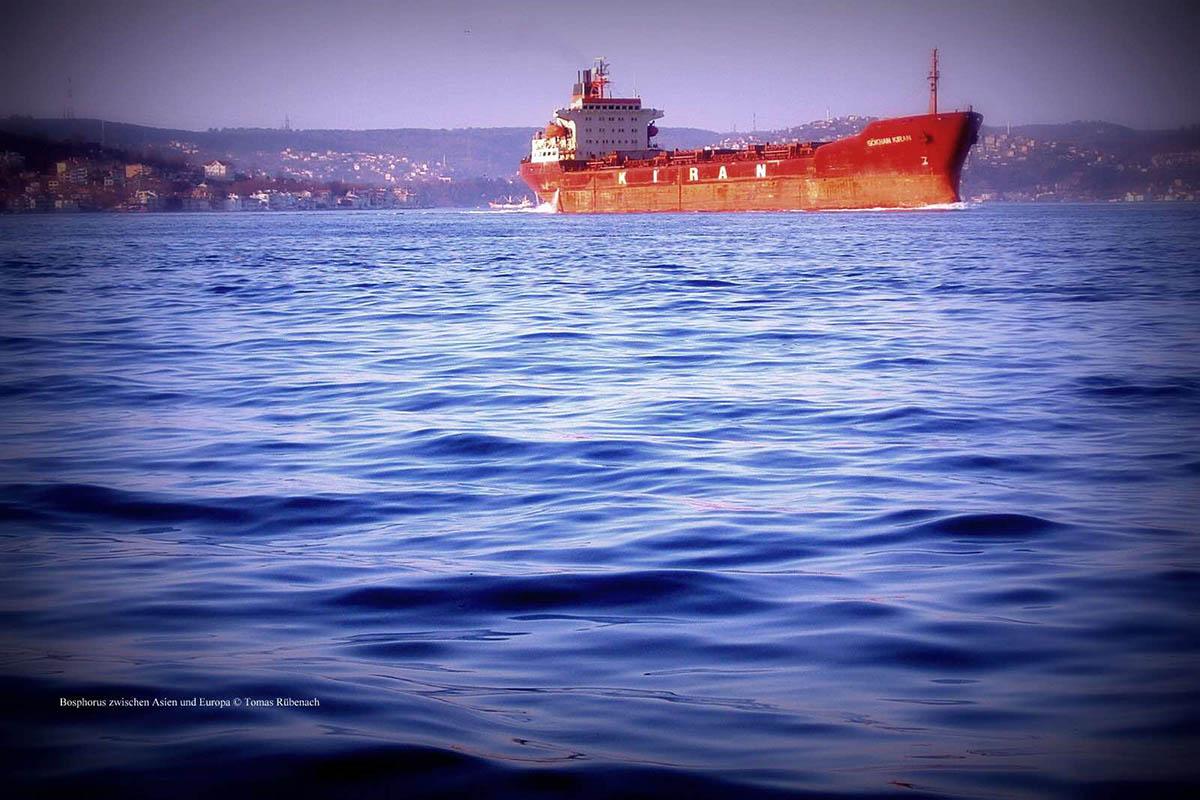 Bosphorus zwischen Asien und Europa © Tom Rübenach