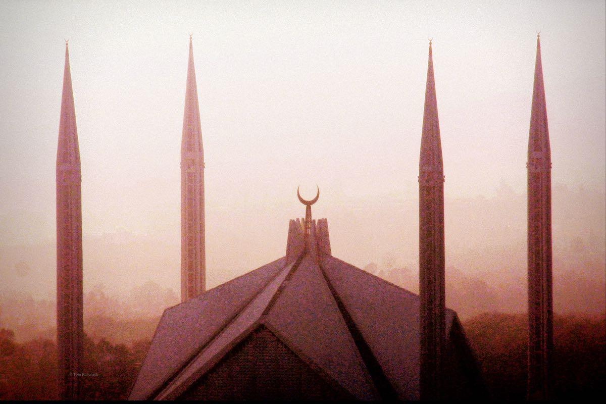 König Faisal Moschee in Islamabad, Pakistan © Tom Rübenach